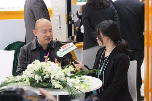 CHINAPLAS 2018:访济南兰光机电副总张为胜